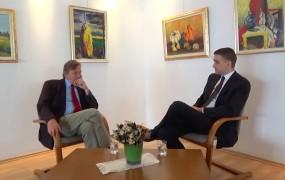Novinar Mladine nadleguje oglaševalce oddaje Borisa Cipota zaradi intervjuja z Brščičem