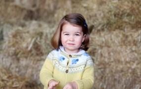Britanci so navdušeni: princesa Charlotte podobna babici Elizabeti II.