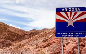 Arizona migrantom ni dala denarja, zdaj odhajajo