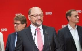 Schulz je pripravljen na pogovore z Merklovo, a vstop v koalicijo še ni gotov