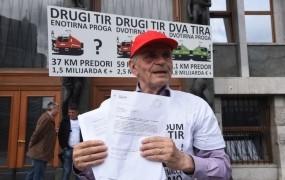 Vili Kovačič je v DZ vložil 4500 podpisov proti zakonu o drugem tiru