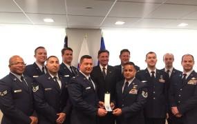 Pahor odlikoval ameriške vojake, ki so reševali ponesrečene na ladji Tamar