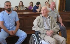 Sodišče razveljavilo obsodbo 87-morilca iz Maribora