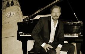 Prihaja veliki romantični koncert Giannija Rijavca