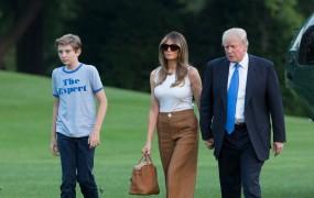 Melania in Barron Trump sta se vselila v Belo hišo, z njima tudi Viktor in Amalija Knavs