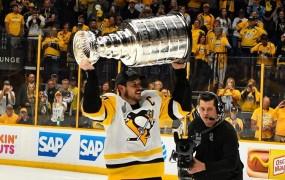 Pittsburgh Penguins znova dvignili Stanleyjev pokal