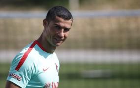Ronaldo poravnal svoj dolg španskim dacarjem in upa na milejšo kazen