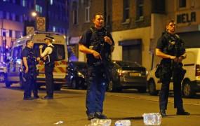 V napadu s kombijem v Londonu ubit en človek, osem ranjenih
