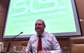 Zidanšek: Imam široko podporo v stranki, izrednega kongresa SLS ne bo