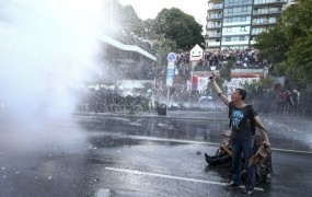 Po Nemčiji policijske racije med levimi skrajneži v zvezi z izgredi ob vrhu G20