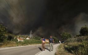 Od Kvarnerja do Peloponeza požari in temperature čez 40 stopinj