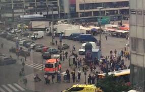 Moški na Finskem z nožem ubil dve osebi, policija ga je ustrelila v nogo