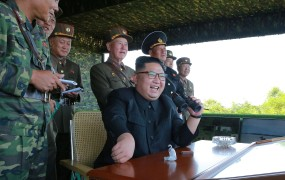 Kim Jong Un spet izstrelil raketo