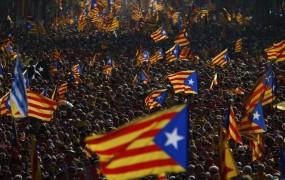 Bo Puigdemont danes razglasil neodvisnost Katalonije in kako se bo odzval Madrid?