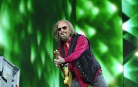 Nov šok za glasbeni svet: v 66 letu starosti je umrl Tom Petty