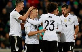 Nemškim nogometašem za ubranitev naslova vsakemu po 350.000 evrov
