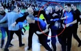Zoran Predin za podivjani napad v Stožicah plačal 10.625,95 evra globe in kazni