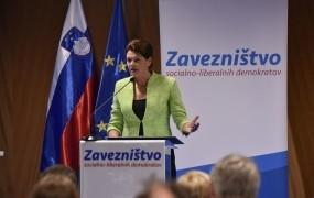 Alenka Bratušek lahko le upa, da volivci njenega imena ne povezujejo več z debaklom v Bruslju