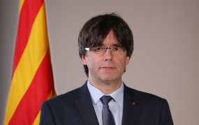 Katalonski premier Puigdemont vztraja pri razglasitvi neodvisnosti