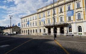 FOTO: Zaradi sumljive torbe evakuirali ljubljansko železniško postajo