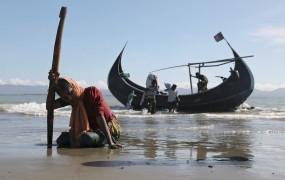 Papeža so mjanmarski katoliki prosili, da v govoru ne omenja preganjane manjšine Rohingya