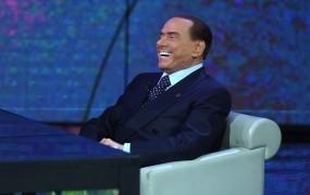 81-letni Berlusconi se hvali, da je kot dobro vino z leti vse boljši