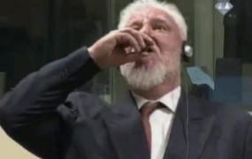 Šok v Haagu: hrvaški obsojenec Praljak po izreku sodbe popil strup in umrl