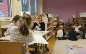 (REPORTAŽA) Na obisku v zasebni osnovni šoli montessori v Mariboru