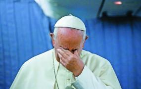 Papež naj bi že od leta 2015 vedel za prikrivanje zlorab v Čilu