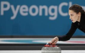 """Bo """"ruska Angelina Jolie"""" zaradi partnerja izgubila olimpijsko medaljo?"""