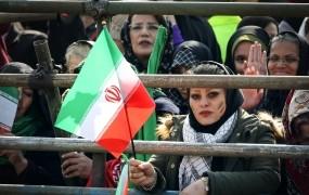 Umirajoča žena je Iranca prepričala, naj se poroči z njeno prijateljico – nato je žena ozdravela