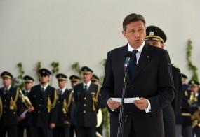 Je Borut Pahor favorit, ker mu nasprotujeta tako Janez Janša kot Milan Kučan?