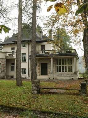 Notranjost Plečnikove vile v lasti najbogatejših Slovencev