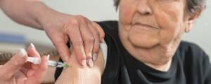 cepljenje starejši