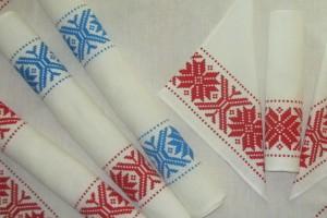 FOTO: Čar nakita in unikatnih izdelkov belokranjskih ustvarjalcev
