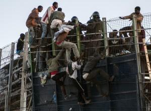 V stampedu na maroško-španski meji množica poteptala več ljudi