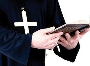 Romunski škof letel zaradi seksa s 17-letnim semeniščnikom
