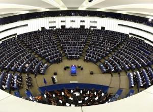 Evropski poslanci naj bi spolno nadlegovali zaposlene v Evropskem parlamentu