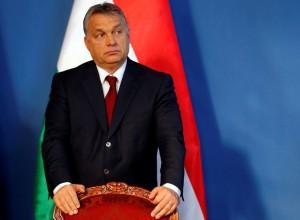 Viktor Orban se nagiba še bolj na desno in k Putinu