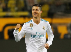 Cristiano Ronaldo znova najboljši nogometaš sveta v izboru Fife