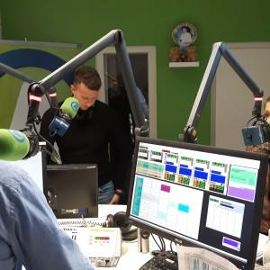 Finalisti Kmetije v studiu radia Aktual