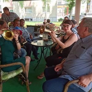 Bojan Ristić & Brass band so dodobra segreli ozračje!