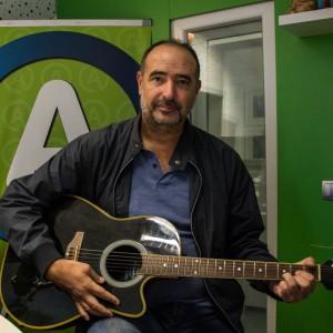 Dražen Zečić pripravil mini koncert za vse, ki so ostali brez vstopnic