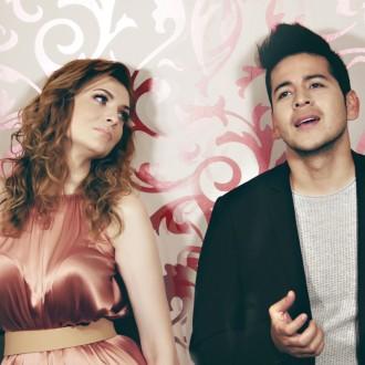 Manca Špik in Isaac Palma v duetu s pesmijo Oba podirata vse slovenske rekorde. Video ima skoraj 4 milijonov ogledov!