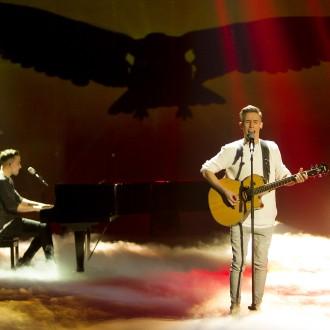 """V pesmi dvojca BQL vidi Alesh Maatko največ potenciala in tudi največ možnosti, gledano na celoten paket. """"Evrovizija namreč danes ni le glasba, je nekaj več,"""" še pravi."""
