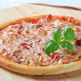 1889. leta je Neapelj obiskala kraljica Margherita Savojska, po kateri je pica dobila ime.