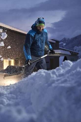 Sneg do nižin: zapade ga lahko tudi 20 centimetrov!