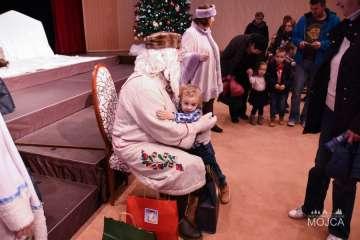 FOTO: Mojčin dedek Mraz končuje obdarovanja