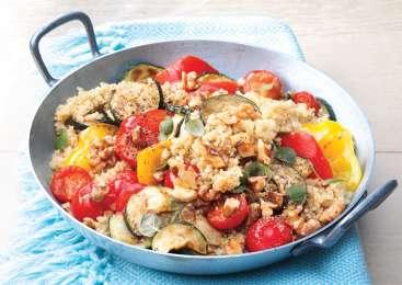 Ratatuj s kvinojo v ponvi