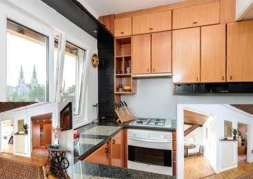 Prenova v mansardnem stanovanju